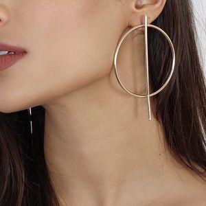 Jewelry - Gold Circles w/Vertical Bar Stud Earrings